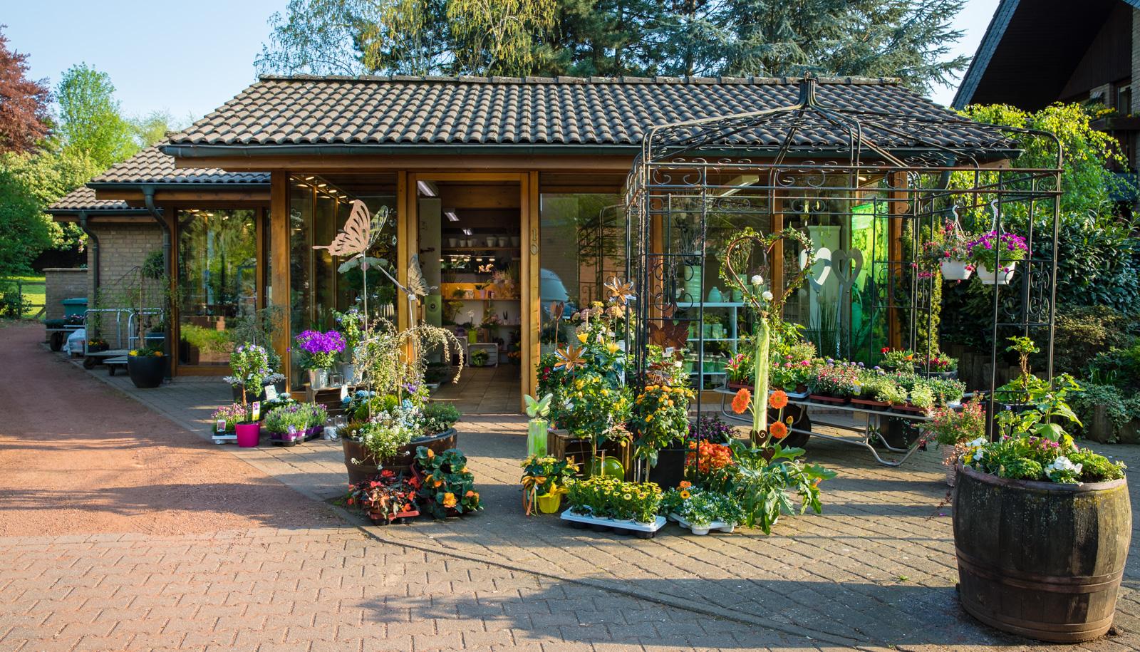 Blumenladen in Jüchen Außenansicht im Frühling