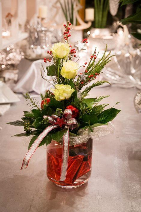 Tischschmuck Blumenstrauß Gesteck
